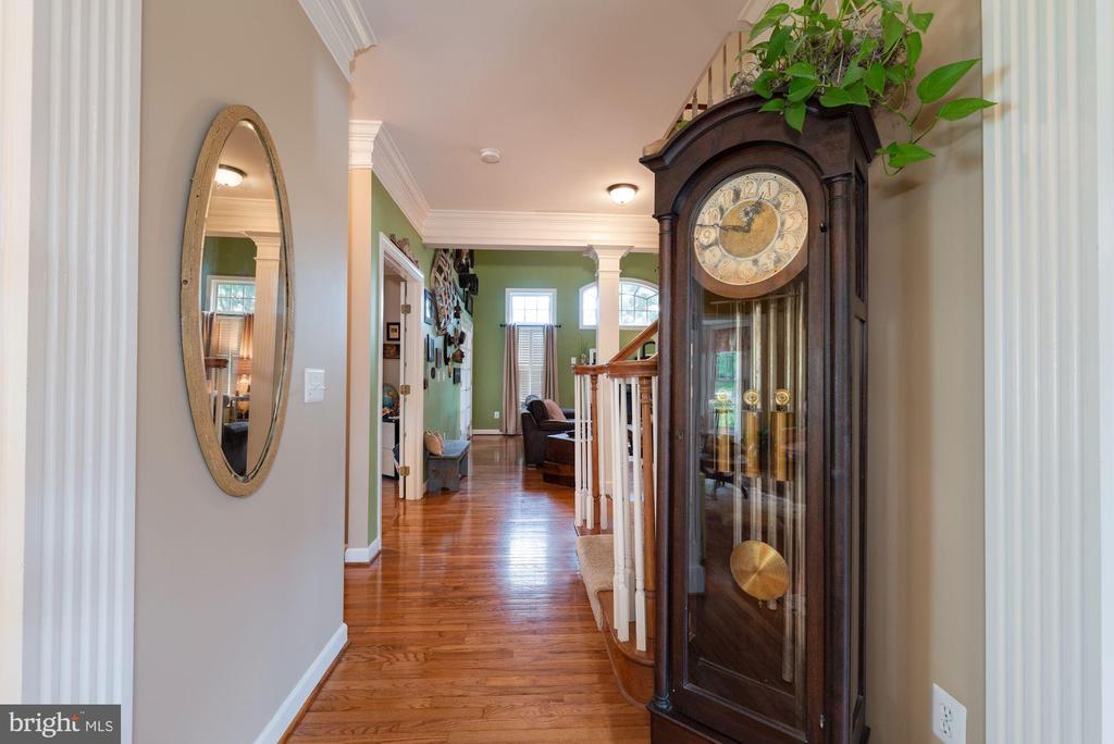 Hallway - 7840 VIRGINIA OAKS DR, GAINESVILLE
