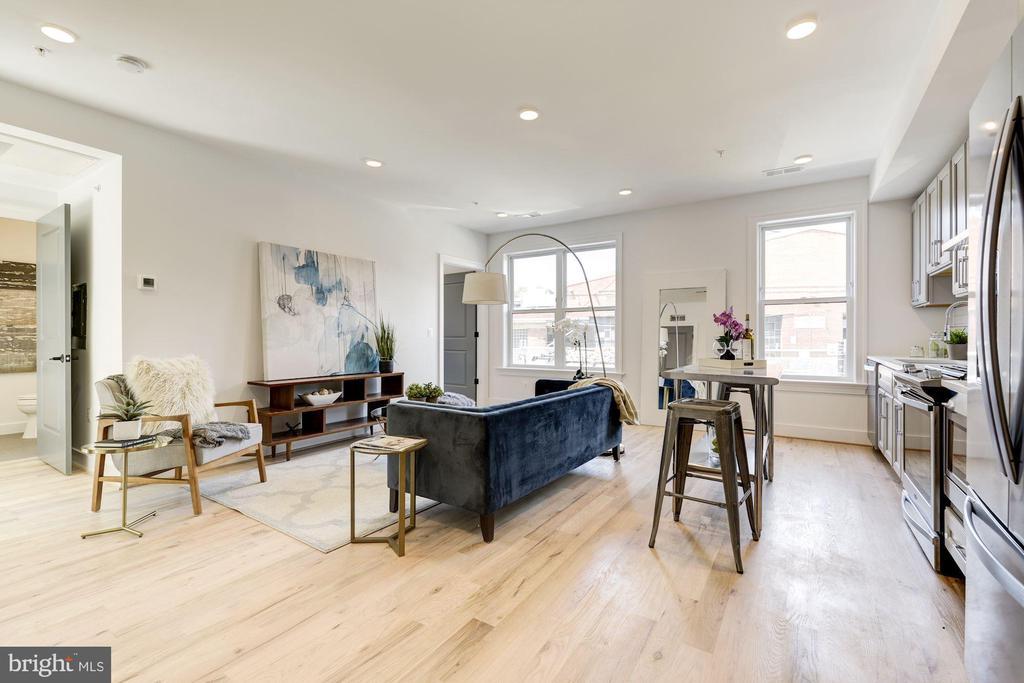 Great open floor plan. - 4339 HARRISON ST NW #4, WASHINGTON