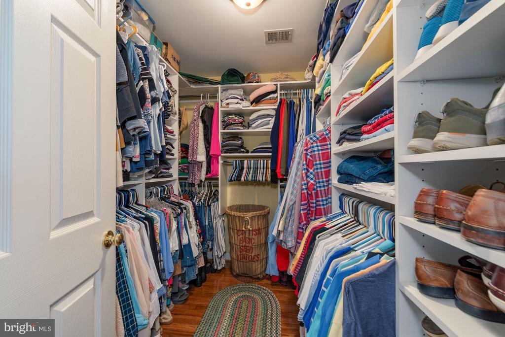Walk In Closet - 7840 VIRGINIA OAKS DR, GAINESVILLE