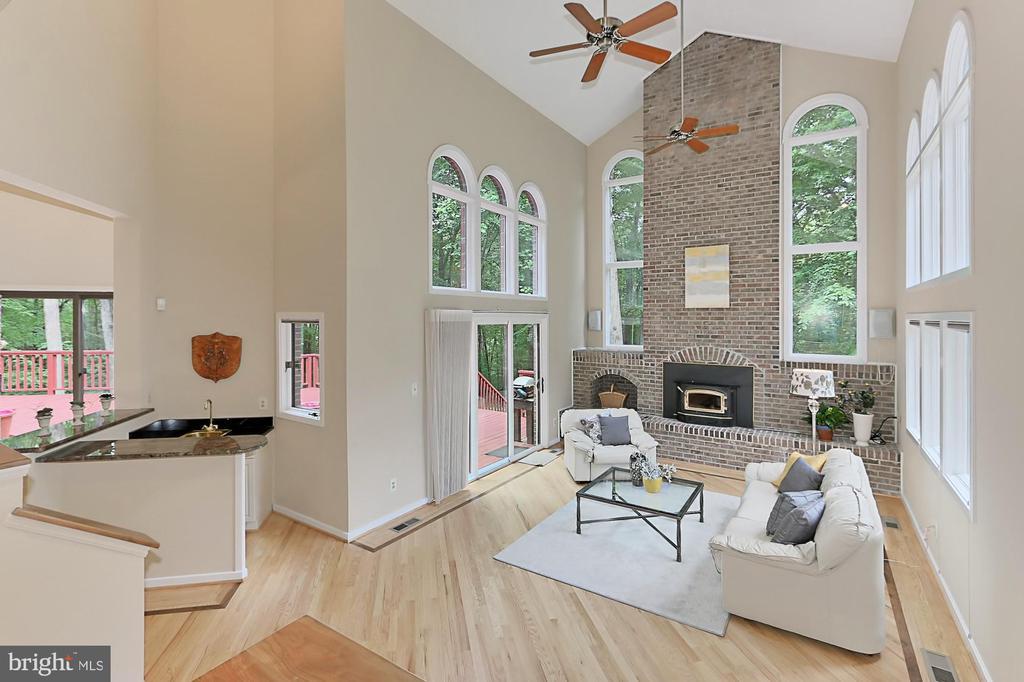 Perfect for indoor & outdoor entertertaining - 12709 MILL GLEN CT, CLIFTON