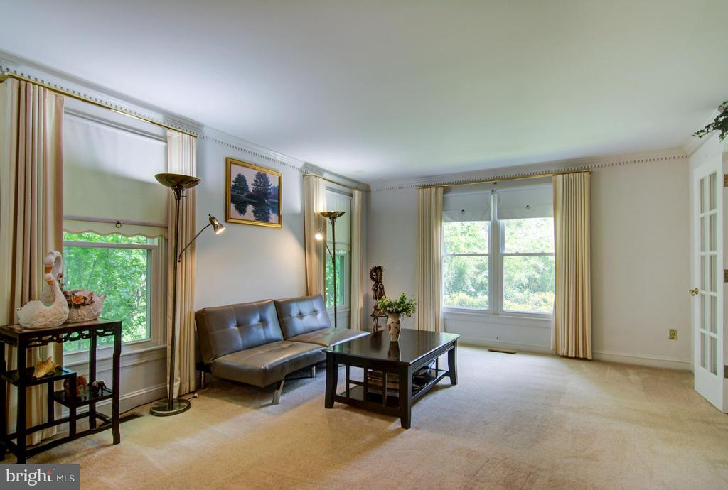 Living Room View#4 - 5608 CAVALIER WOODS LN, CLIFTON