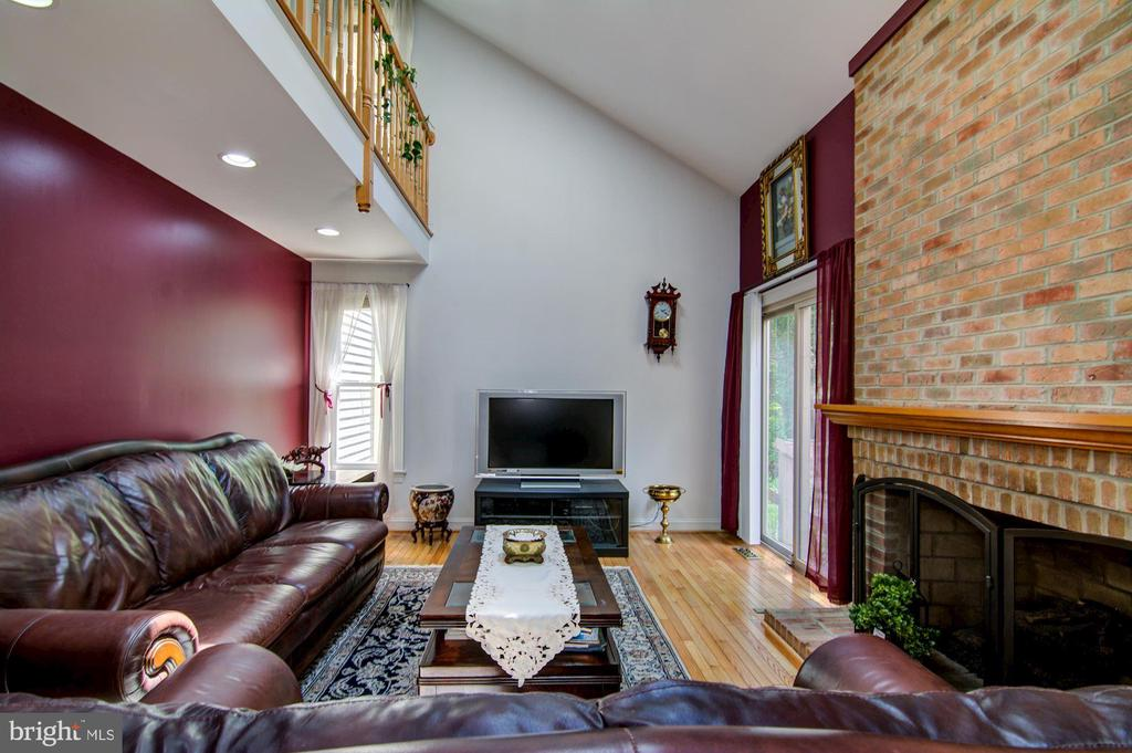 Family Room View#2 - 5608 CAVALIER WOODS LN, CLIFTON