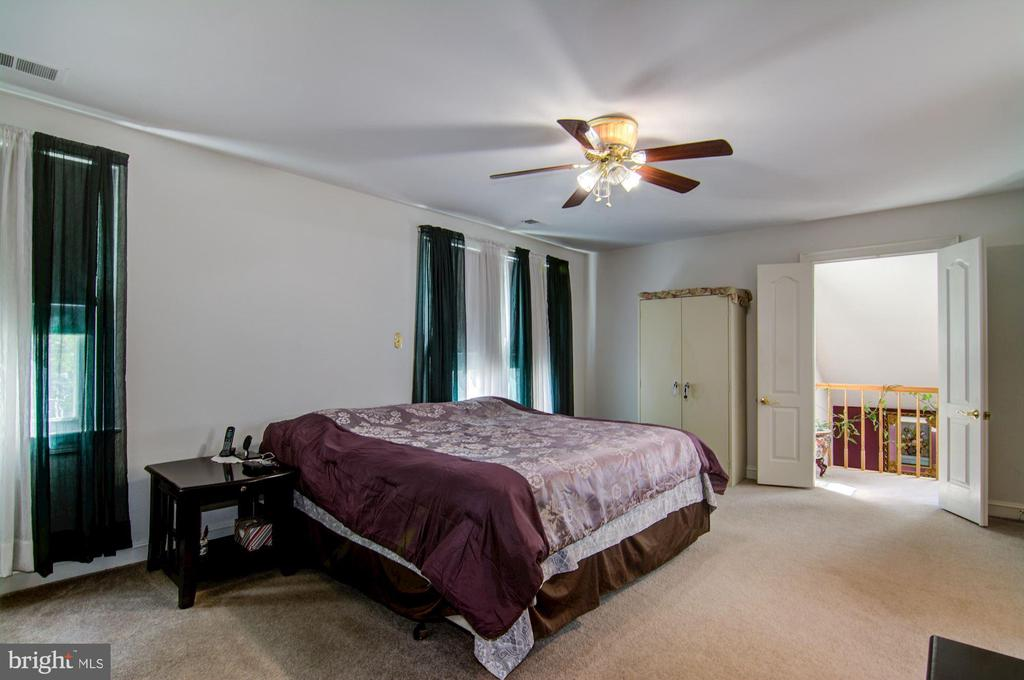 Master Bedroom View#3 - 5608 CAVALIER WOODS LN, CLIFTON