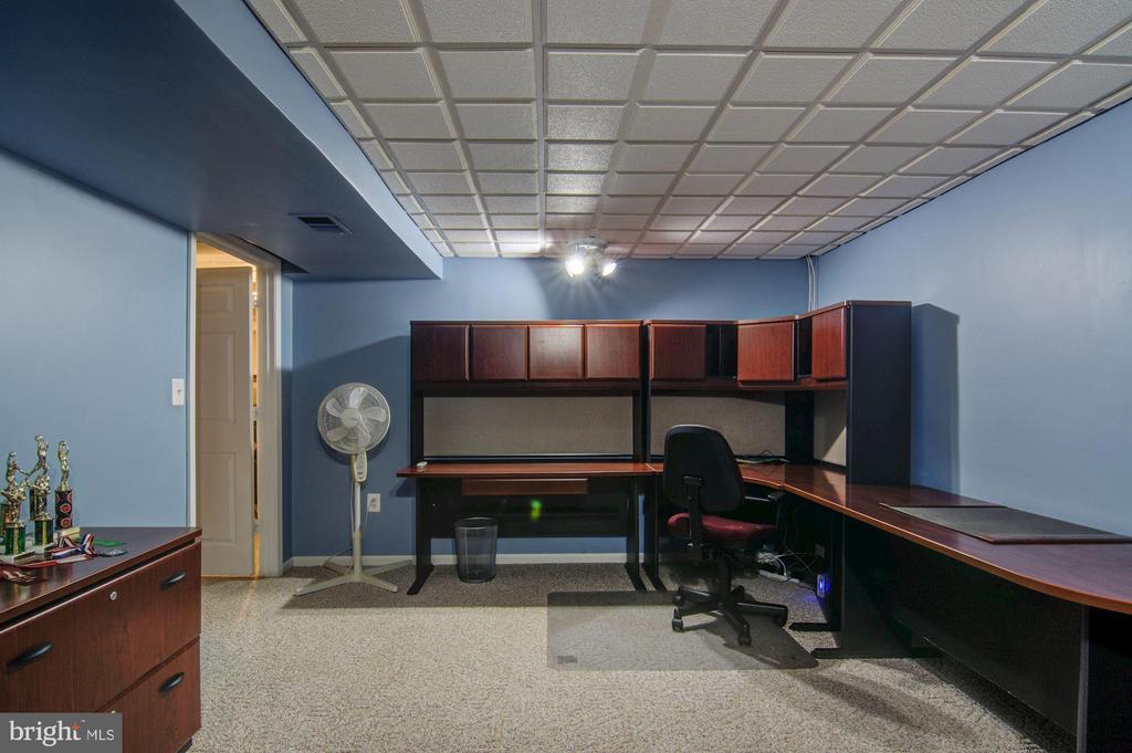 Basement Study Room View#2 - 5608 CAVALIER WOODS LN, CLIFTON