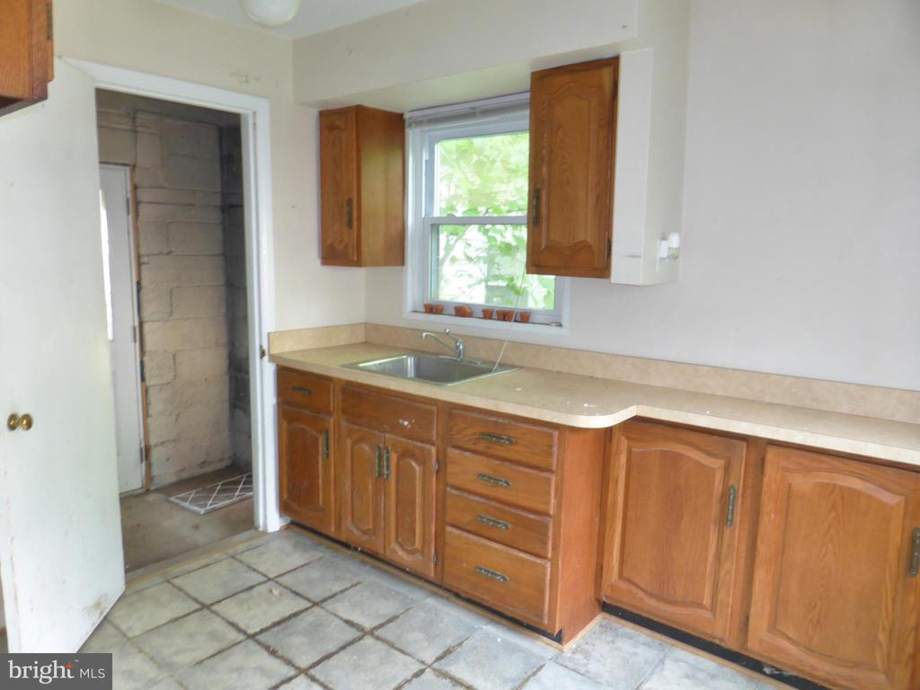 Kitchen - 1048 S EDISON ST, ARLINGTON