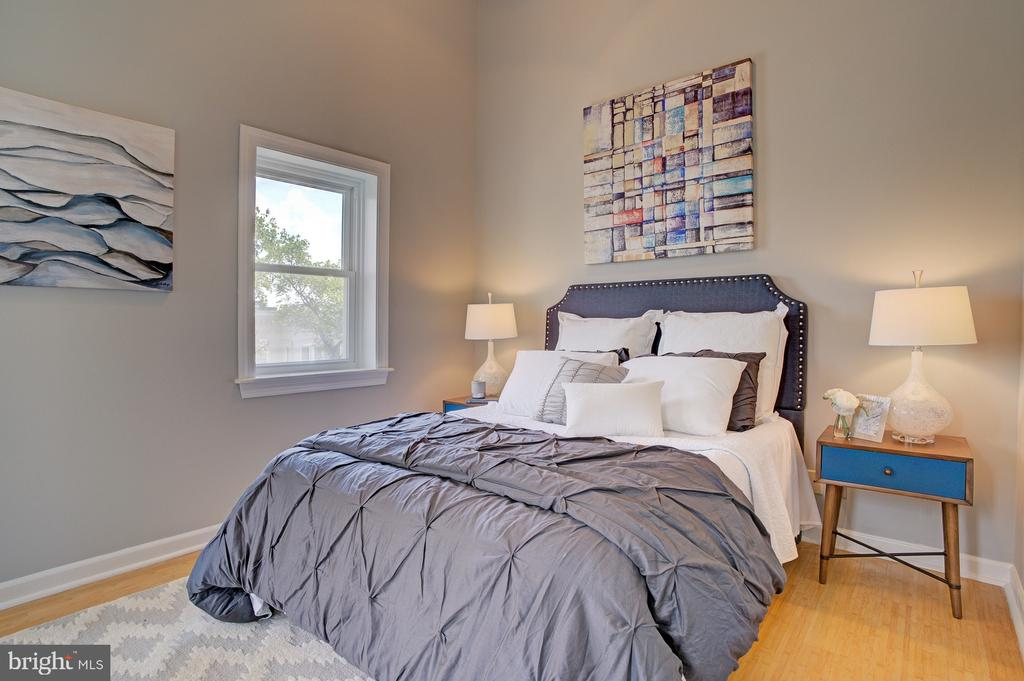 3rd floor bedroom - 834 11TH ST NE, WASHINGTON