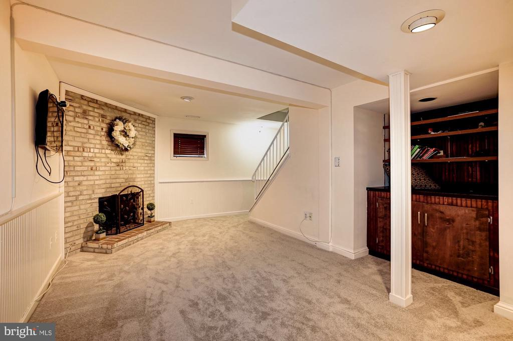 Lower level rec room - 2855 COORS PARK CT, FALLS CHURCH