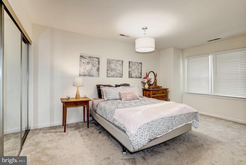 Master bedroom - 2855 COORS PARK CT, FALLS CHURCH