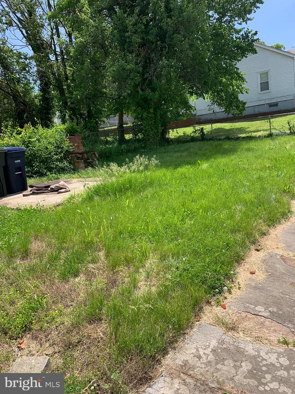 Backyard Area - 4723 SHERIFF RD NE, WASHINGTON
