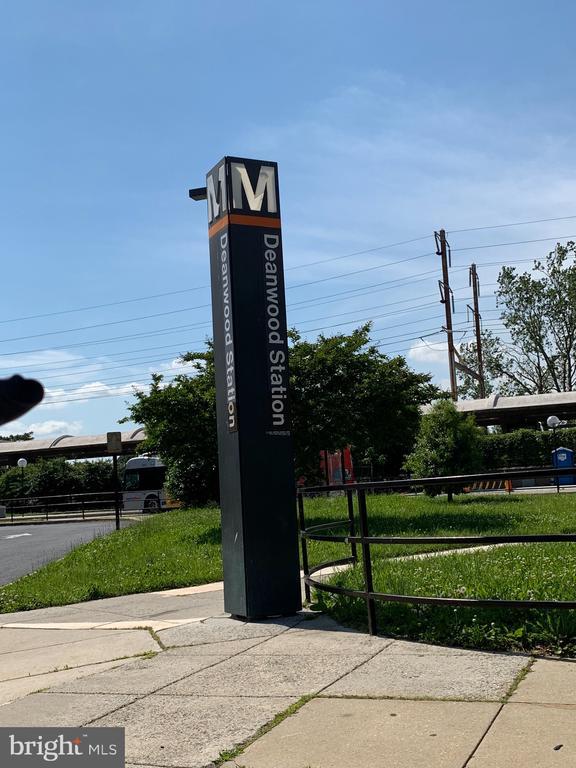 Less than 1 mile to Deanwood Metro - 4723 SHERIFF RD NE, WASHINGTON