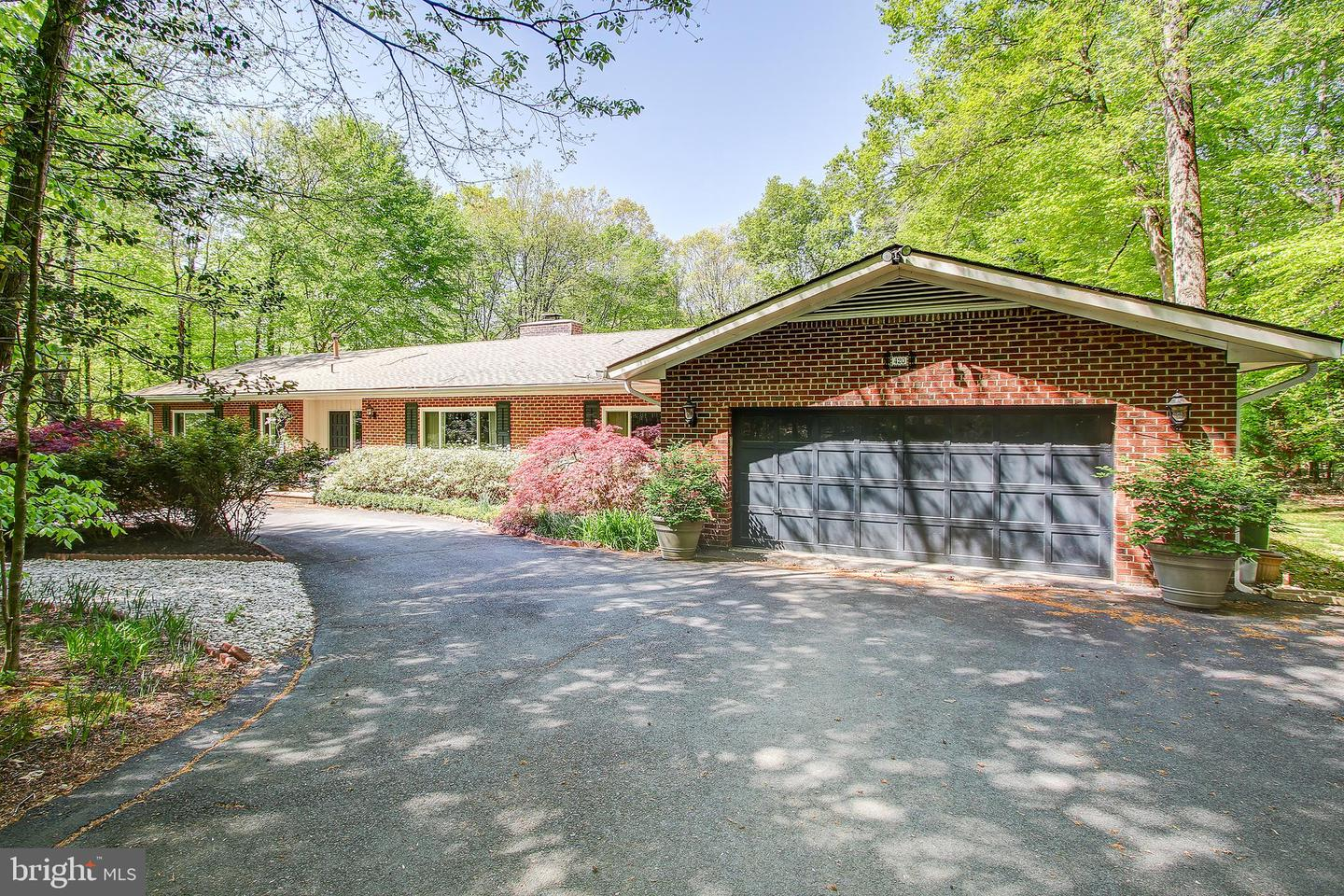 Single Family for Sale at 420 Chesapeake Dr Great Falls, Virginia 22066 United States