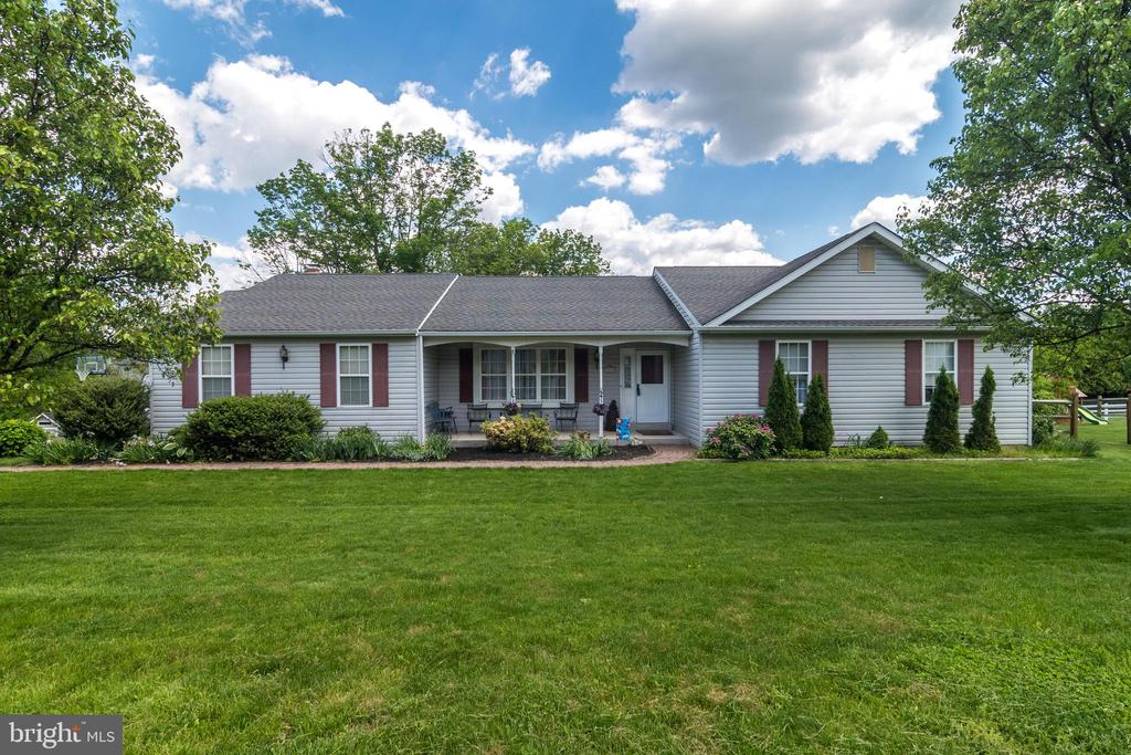 57 WOODVIEW DR, Chalfont PA 18914