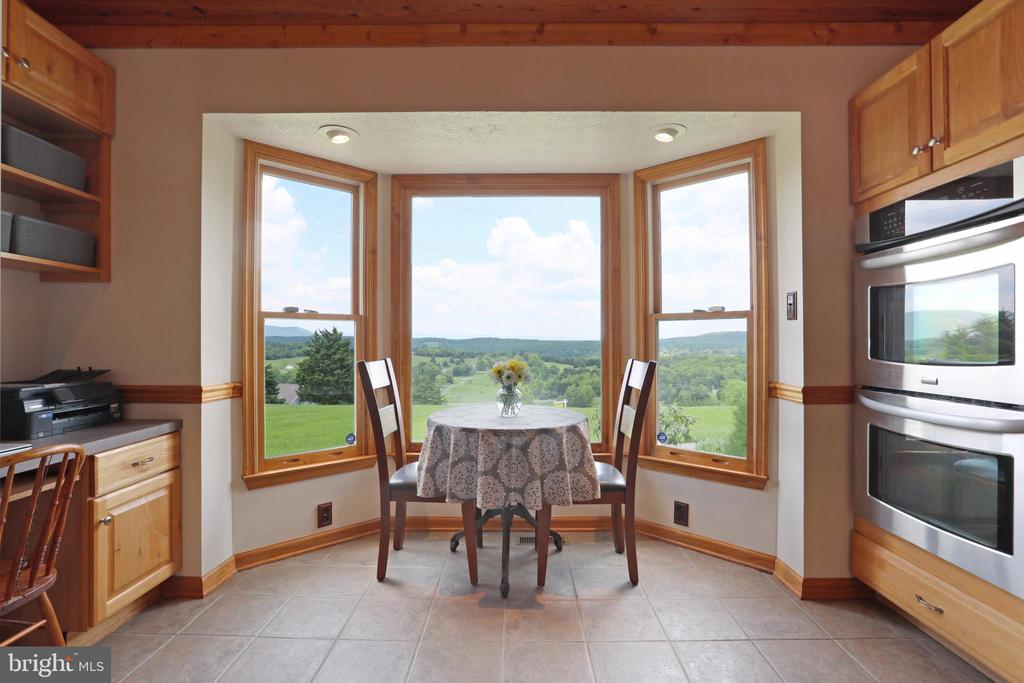 Great views from breakfast nook! - 237 TAYLOR RD, FRONT ROYAL
