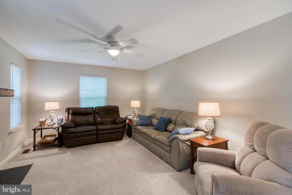 Family Room - 6803 LAKERIDGE DR, FREDERICKSBURG
