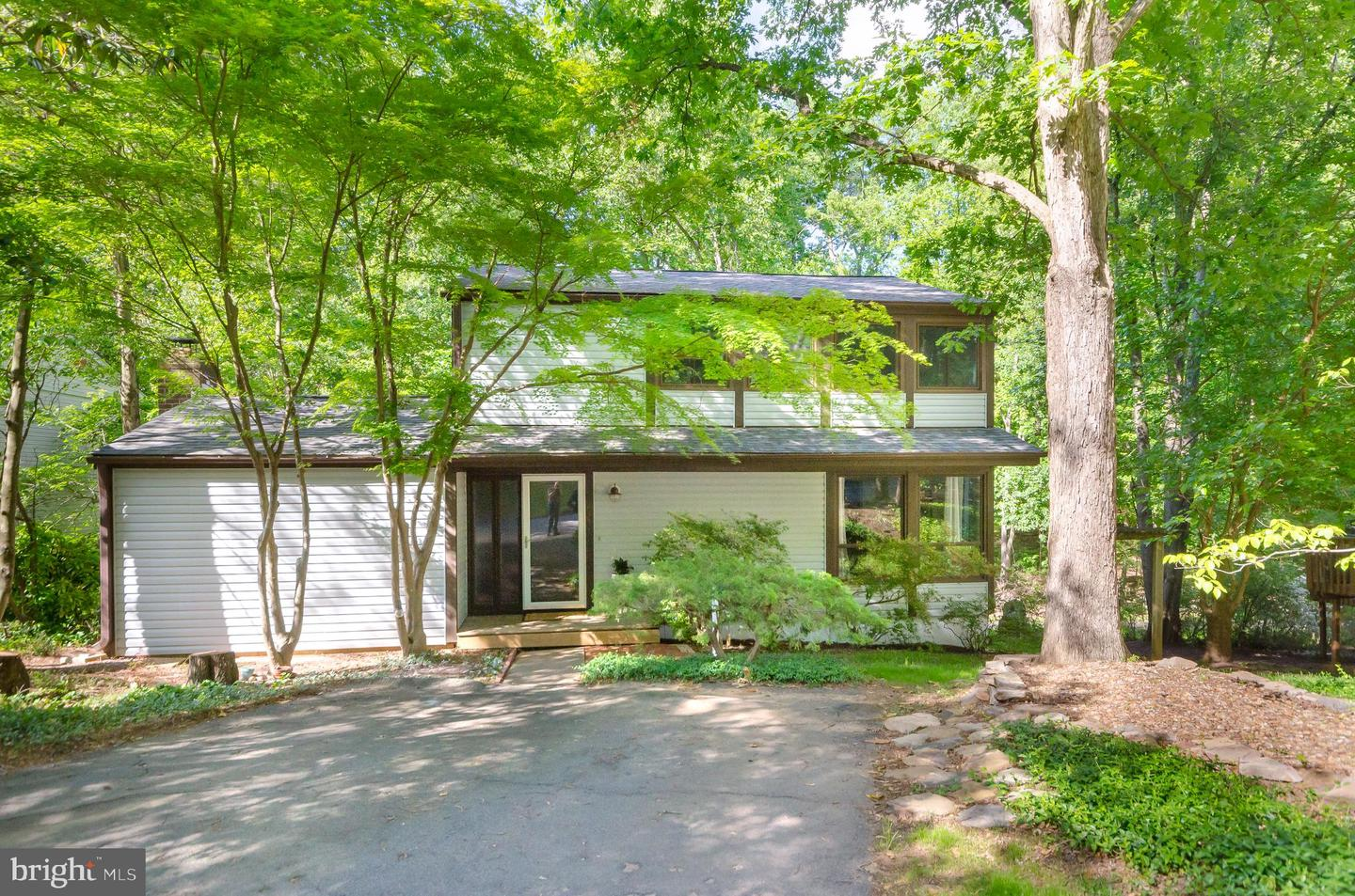 Single Family for Sale at 2331 Old Trail Dr Reston, Virginia 20191 United States