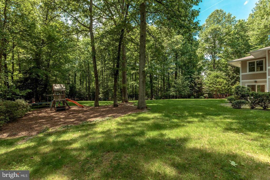 Peaceful treed views - 3206 FOX MILL RD, OAKTON