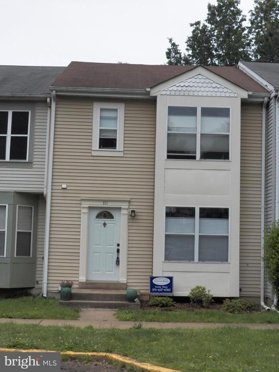 211  AVIARY STREET, one of homes for sale in Fauquier County