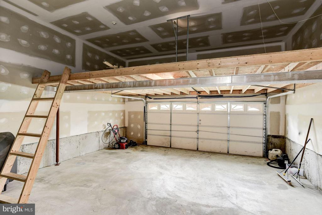 Tons of storage space above! - 232 MARYLAND AVE, HAMILTON