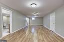 Full Bathroom off Living Space - 232 MARYLAND AVE, HAMILTON