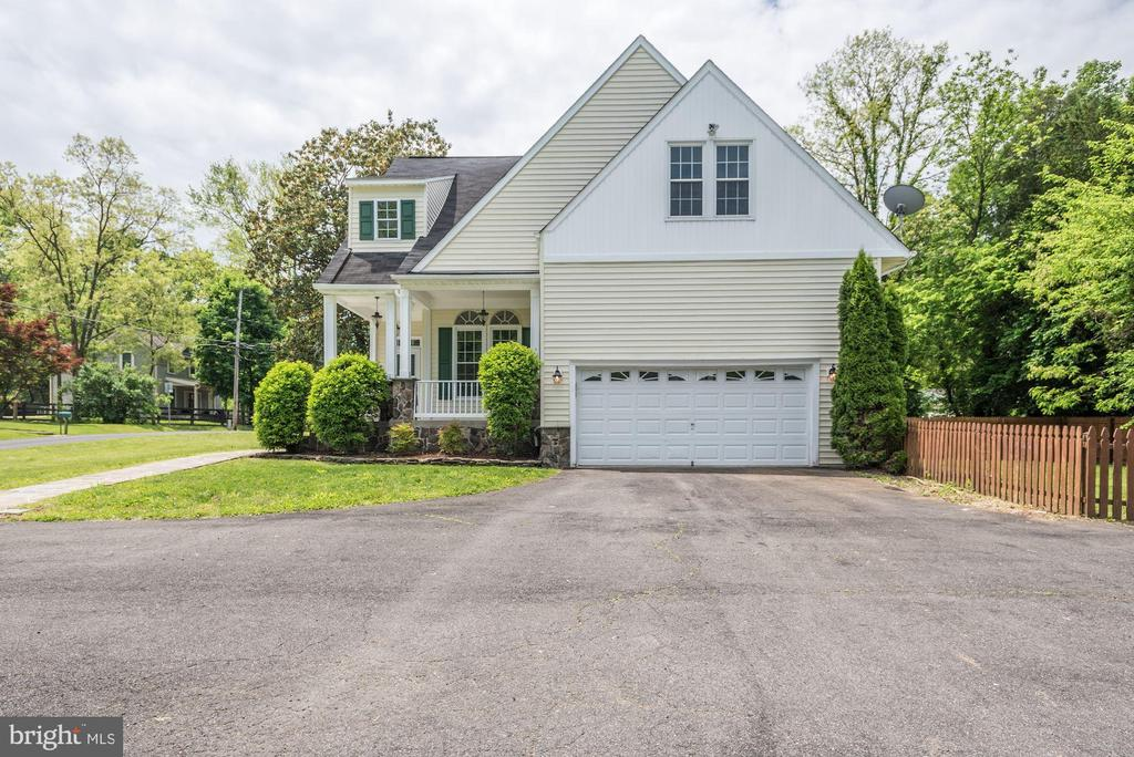 Welcome Home! - 232 MARYLAND AVE, HAMILTON