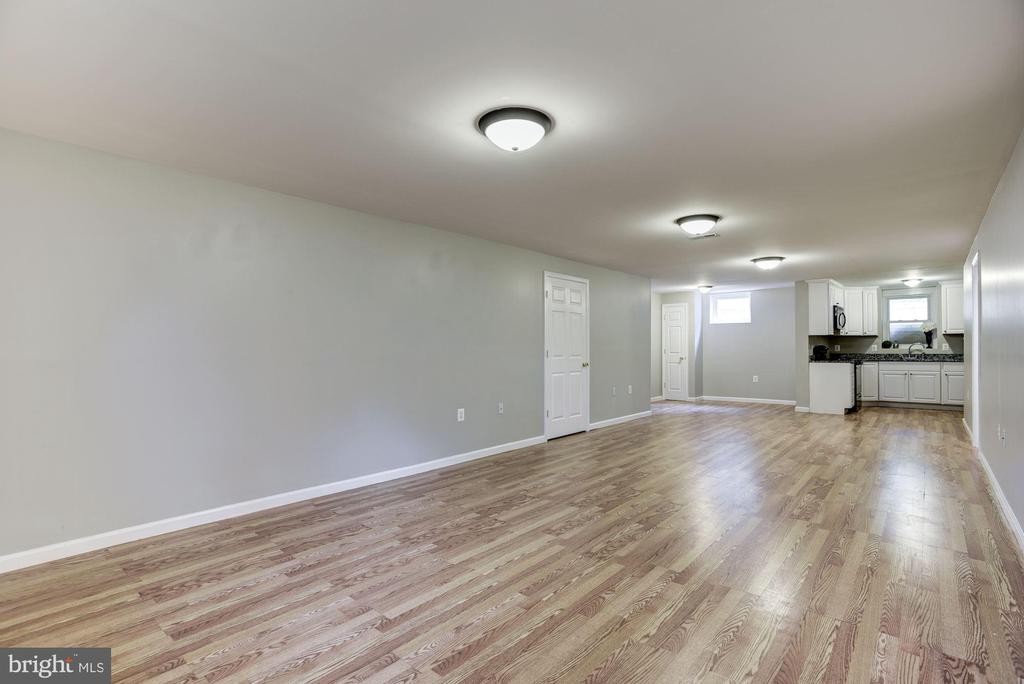 Large Basement to make your own! - 232 MARYLAND AVE, HAMILTON
