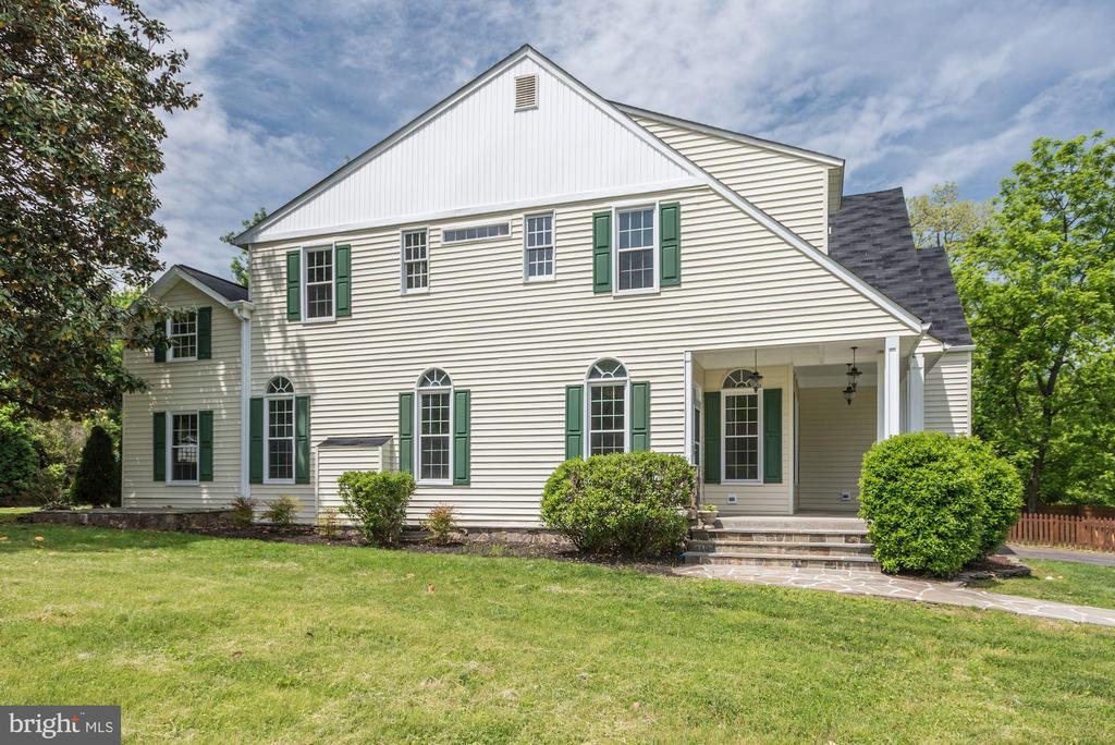 Welcome Home to 232 Maryland Ave, Hamilton Va! - 232 MARYLAND AVE, HAMILTON