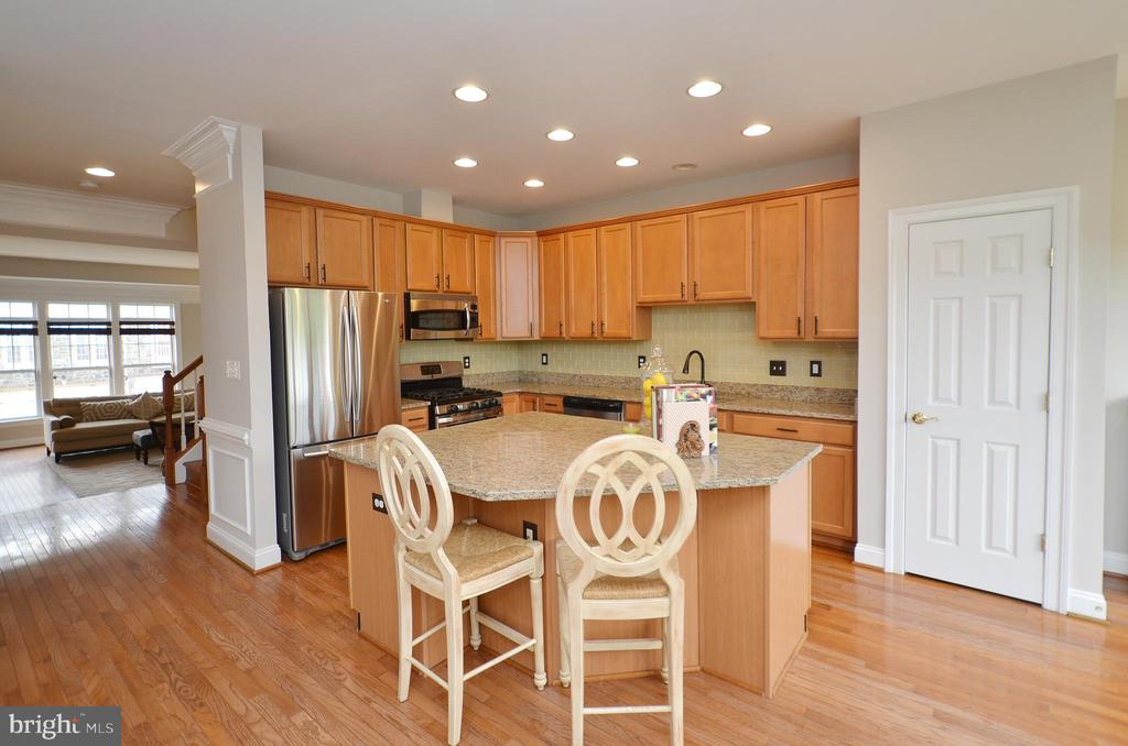 Kitchen Island  w/ Granite Counters - 43013 MILL RACE TER, LEESBURG