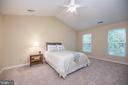 Master Bedroom with Cathedral Ceiling - 21 STONERIDGE CT, STAFFORD