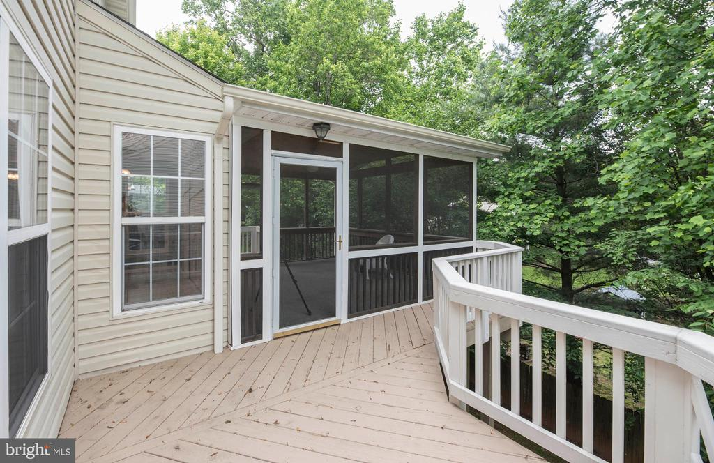 Walk Out to Additional Deck Space - 21 STONERIDGE CT, STAFFORD