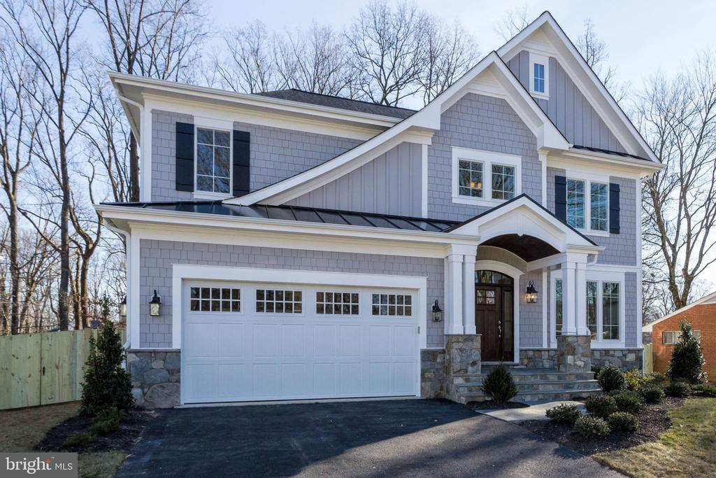 WELCOME HOME TO THE CHESHIRE BY 2ND GEN HOMES. - 313 CABIN RD SE, VIENNA