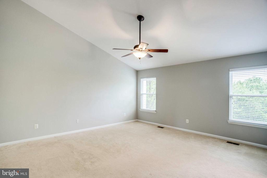 Master Bedroom Vaulted Ceilings - 12476 CASBEER DR, FAIRFAX