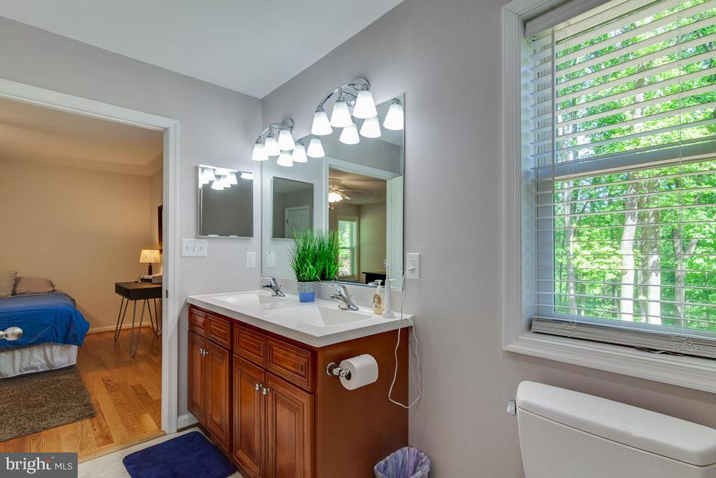 Master Bath with Double Bowl Vanity - 325 BLUE SKY RD, LINDEN