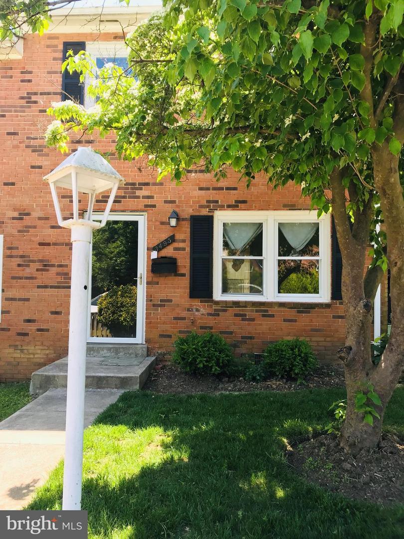 独户住宅 为 销售 在 伍德布里奇, 弗吉尼亚州 22193 美国