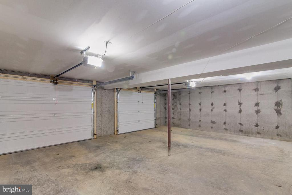2 Car Garage with Openers and Storage - 325 BLUE SKY RD, LINDEN