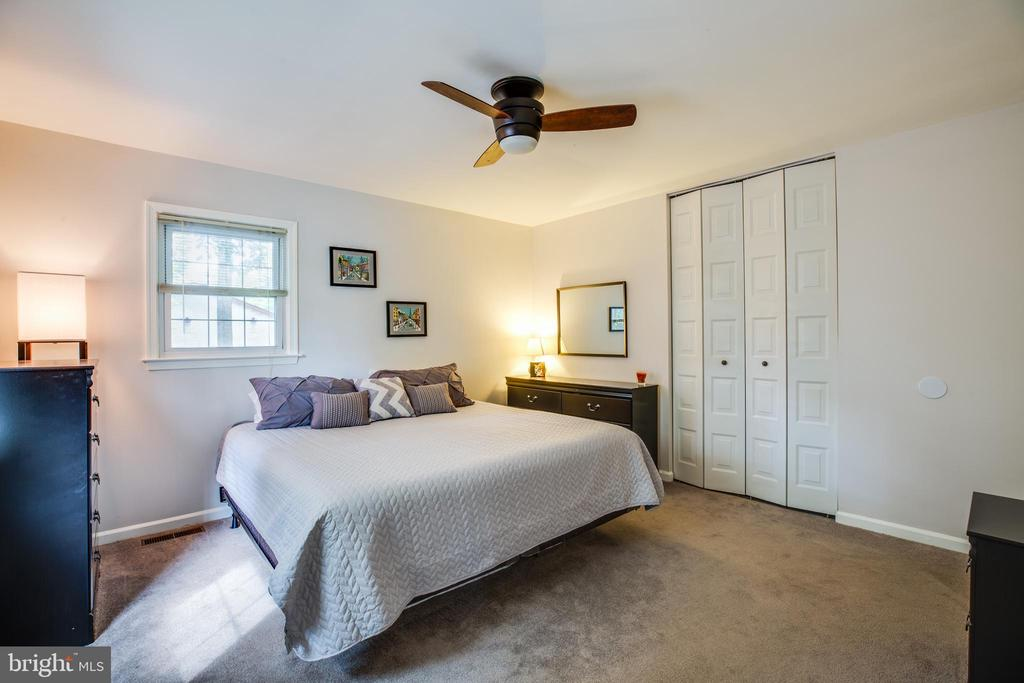 Master Bedroom with 2 Closets - 141 CHOPTANK RD, STAFFORD