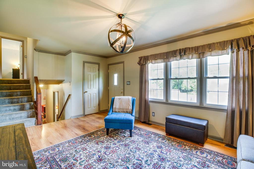 Large Picture Window in Family Room - 141 CHOPTANK RD, STAFFORD