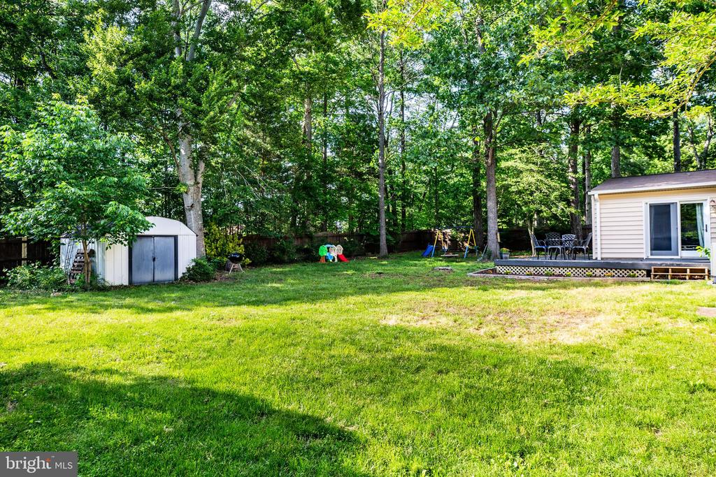Spacious Fenced in Back Yard - 141 CHOPTANK RD, STAFFORD