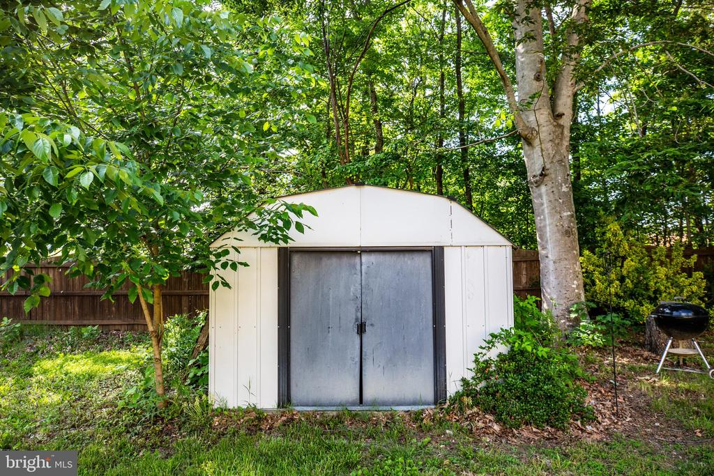 Large Shed Nestled in the Back Yard - 141 CHOPTANK RD, STAFFORD