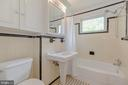 Full Bathroom - 3513 N JEFFERSON ST, ARLINGTON