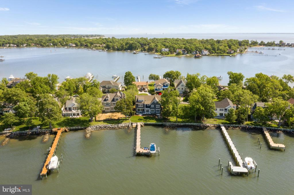 Minutes to the Lighthouse and Bay Bridge by boat. - 3752 THOMAS POINT RD, ANNAPOLIS