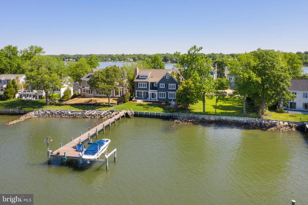 A boater's dream! Fast access to the River & Bay. - 3752 THOMAS POINT RD, ANNAPOLIS
