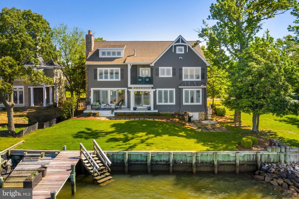 Water side yard, trees, dock, kayak launch & steps - 3752 THOMAS POINT RD, ANNAPOLIS