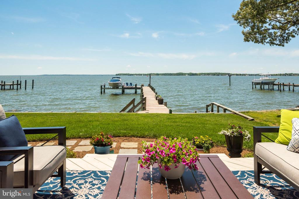 Inviting patio for entertaining on the water. - 3752 THOMAS POINT RD, ANNAPOLIS