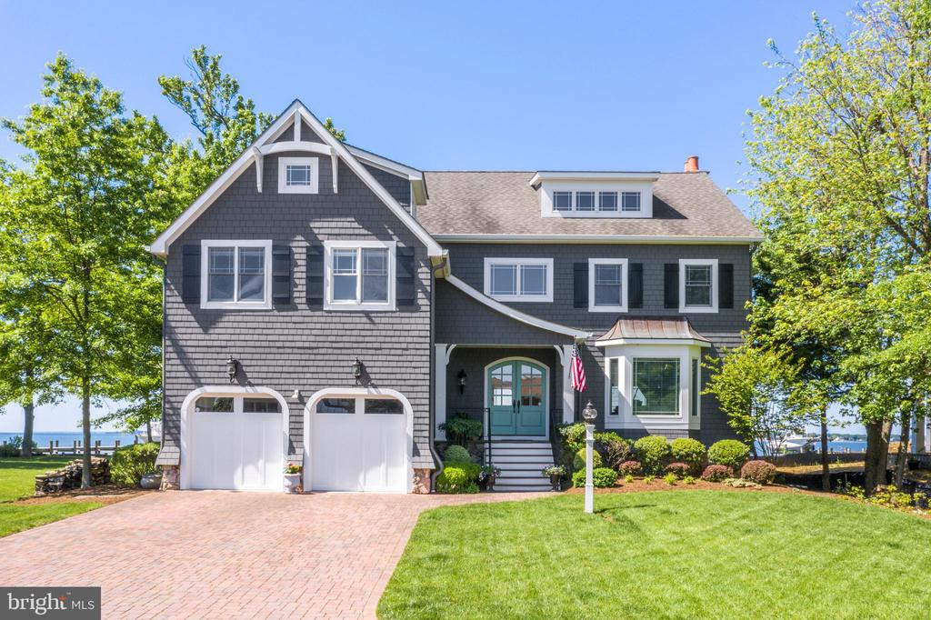 Welcoming Nantucket-style Curb Appeal! - 3752 THOMAS POINT RD, ANNAPOLIS