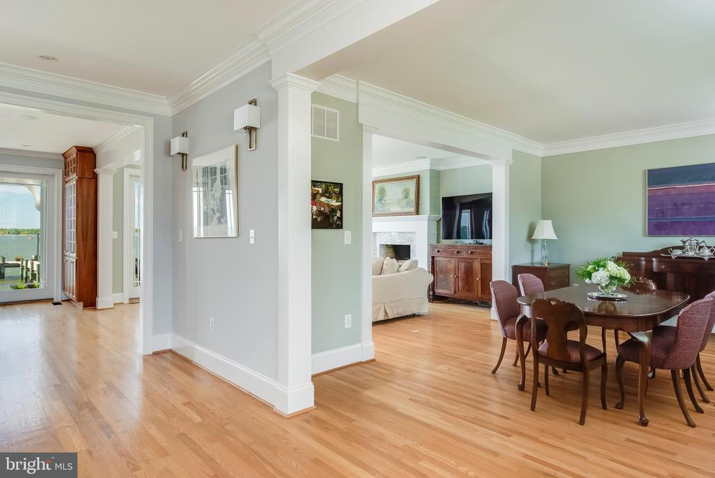 Open Floor plan with versatile spaces. - 3752 THOMAS POINT RD, ANNAPOLIS