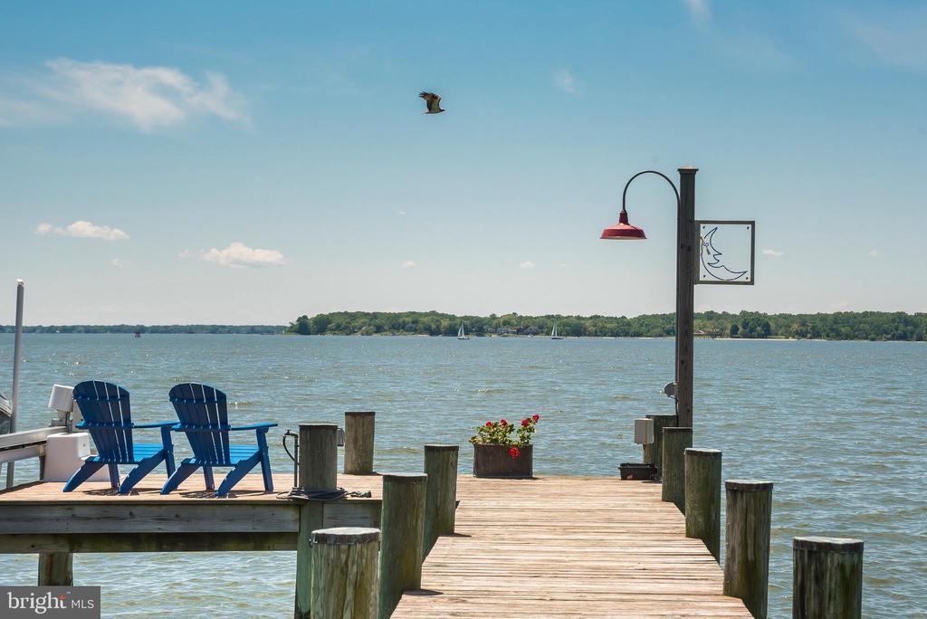 Views of the South River & Chesapeake Bay. - 3752 THOMAS POINT RD, ANNAPOLIS