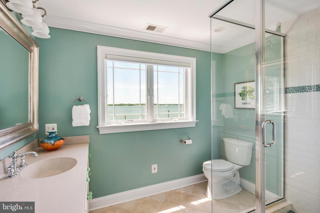 En suite bath with water views. - 3752 THOMAS POINT RD, ANNAPOLIS