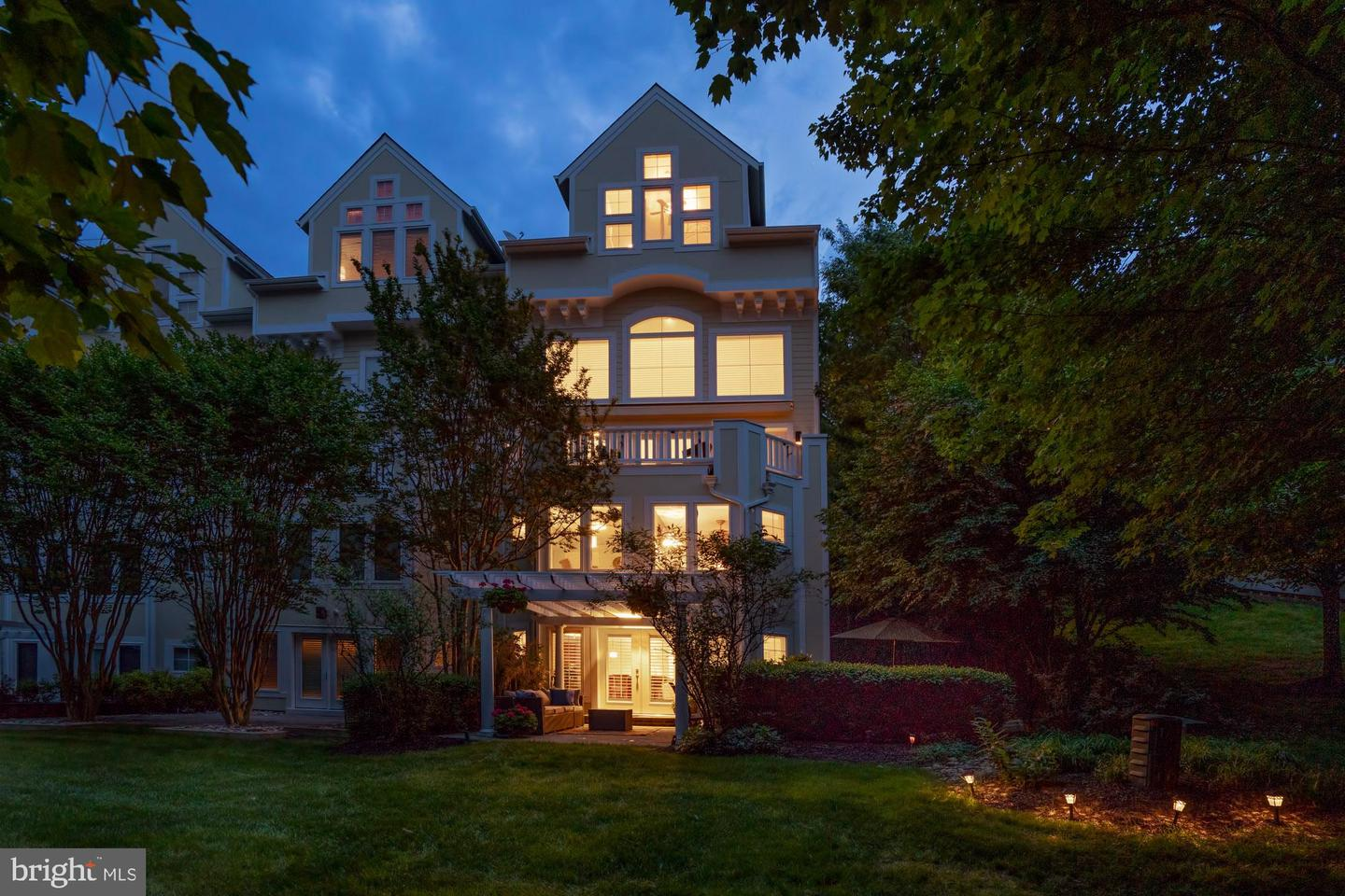 Single Family for Sale at 2034 Beacon Heights Dr Reston, Virginia 20191 United States