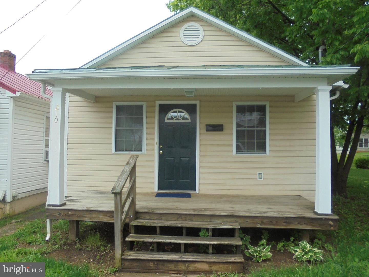 Single Family for Sale at 210 S George St Ranson, West Virginia 25438 United States