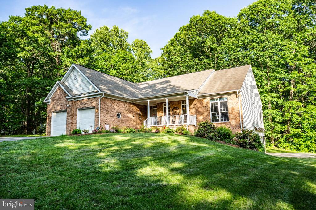 Custom Built Home with Brick Front - 96 CASCADE LN, FREDERICKSBURG